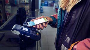 Erste Bank und Sparkassen starten mit Apple Pay in Österreich