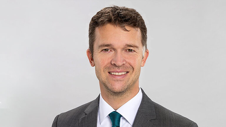 """Kurt Möller, Mitglied des Vorstandes von Zurich und verantwortlich für Produktentwicklung und Underwriting: """"Das Ergebnis bestätigt, dass wir in der Gestaltung unserer Produkte und Services den Kundenwünschen punktgenau entsprechen, besonders bei den wichtigen Kriterien Preis und Transparenz."""""""