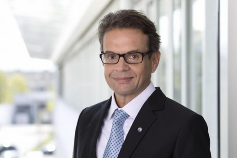 """Michael Lacchini, MFP, Produktmanager in der NÜRNBERGER Versicherung: """"Um den gestiegenen Kundenbedürfnissen bestmöglich zu entsprechen, haben wir unsere Fondswelt ab sofort um drei weitere Investment-Lösungen erweitert."""""""