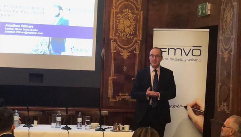 """Jonathan Withers, Sales Director EMEA bei Experian, beim FMVÖ-Financial Breakfast: """"Experian kann Ihren Kunden und Mitarbeitern dabei helfen, gefährdete persönliche Informationen schneller zu erkennen und Gegenmaßnahmen einzuleiten."""""""