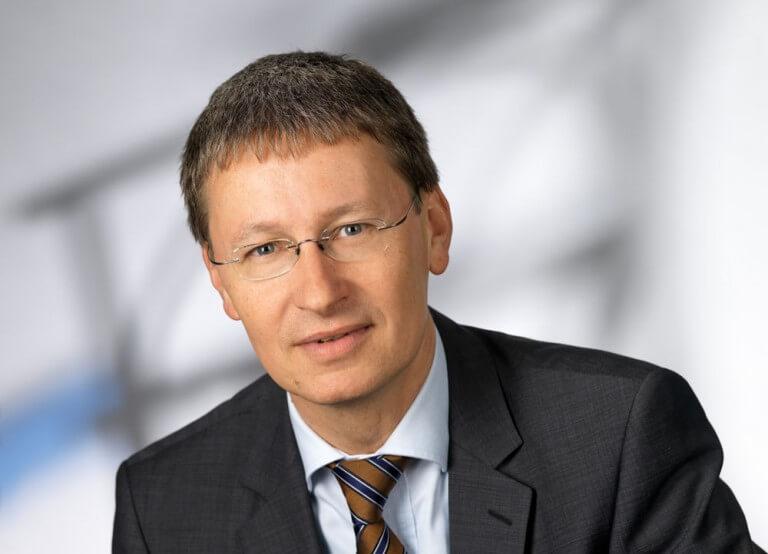 """Kurt Tojner, Country Manager Österreich bei Visa: """"Viele Konsumenten wollen beim Bezahlen so wenige Hürden wie möglich überwinden. Deshalb helfen wir Händlern mit unseren Lösungen dabei, genau dies möglich zu machen."""""""