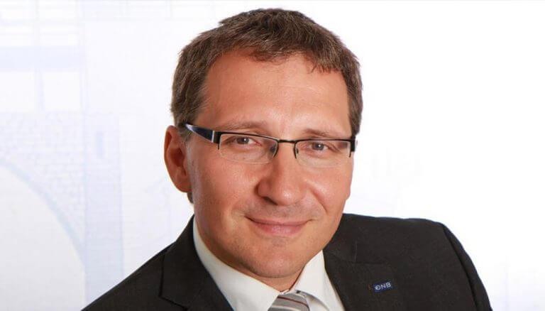 """Dr. Johannes Turner, Direktor der Hauptabteilung Statistik der Oesterreichischen Nationalbank (OeNB): """"Die Österreicherinnen und Österreicher legen Wertpapiergeschäfte bevorzugt in die Hände institutioneller Anleger."""""""