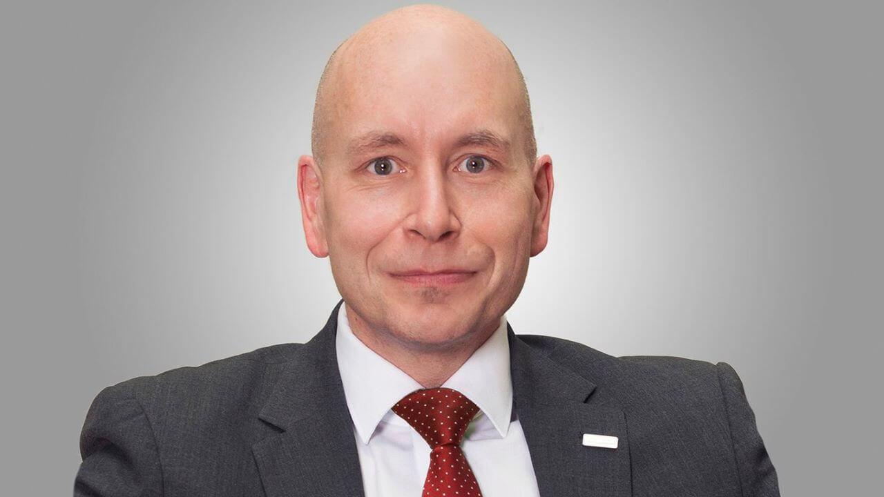 Robert Wieselmayer, Vorstandsvorsitzender card complete