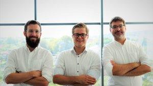 Patrick Gaubatz (CTO), Johannes Ferner (CEO) und Simon Tragatschnig (COO) von Fiskaly