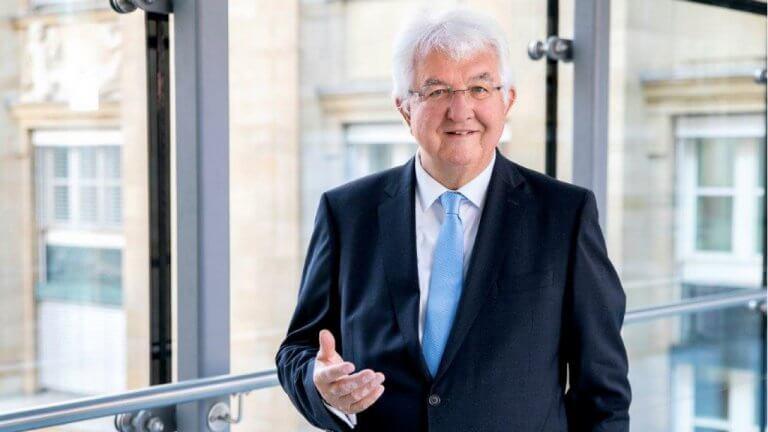 OeNB-Gouverneur Univ.-Prof. Dr. Robert Holzmann