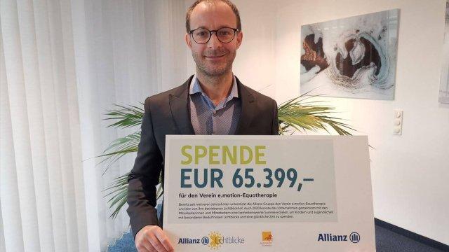 Rémi Vrignaud, CEO der Allianz Österreich, ist erfreut über die eingegangen Spenden.